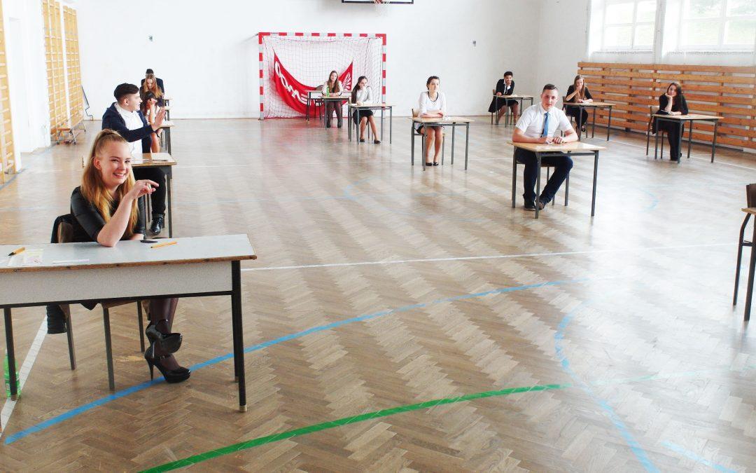 Uczniowie gimnazjum klas trzecich z Siołkowej przystąpili do egzaminów gimnazjalnych 2016!